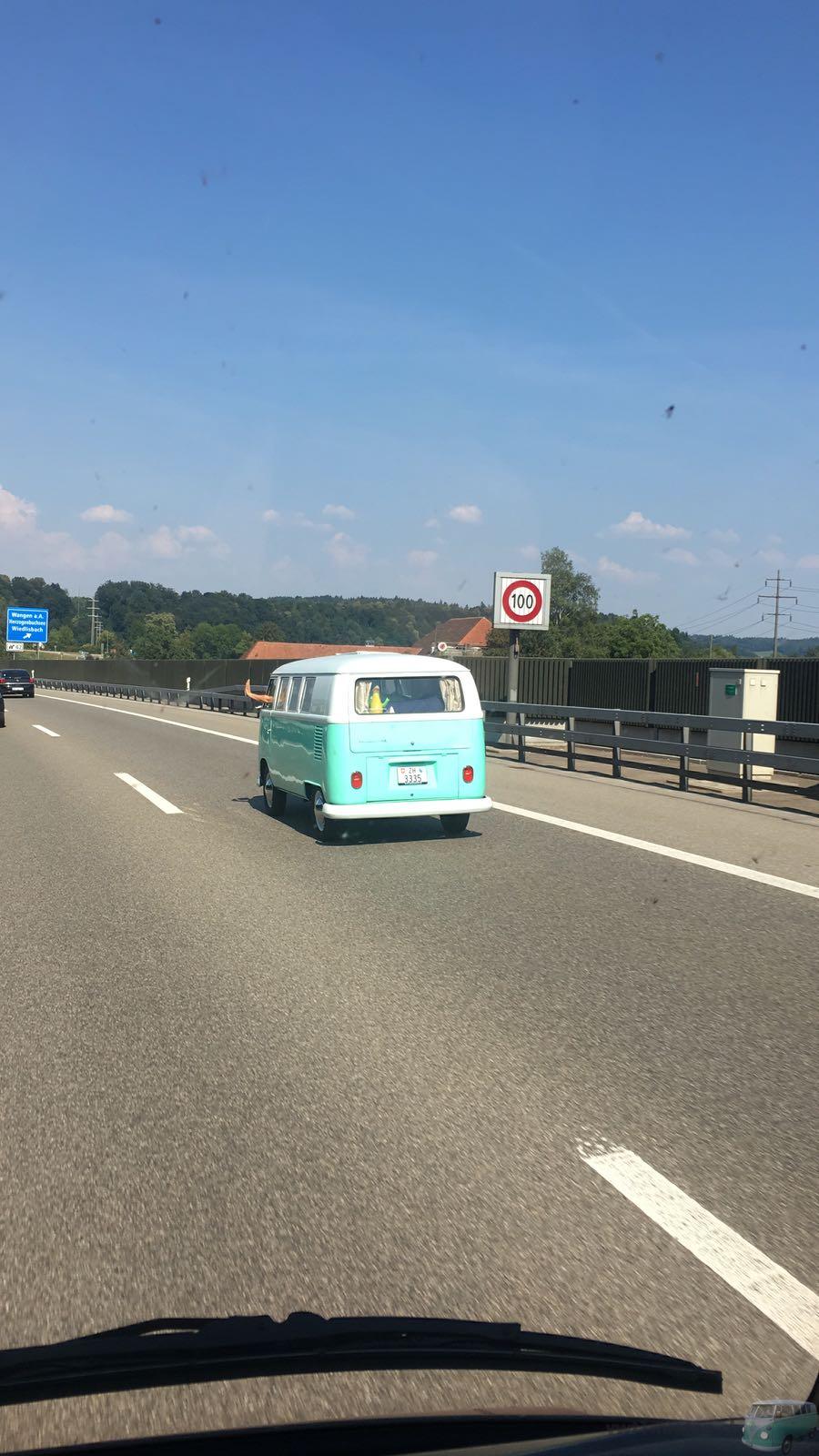 Der T1 auf der Autobahn